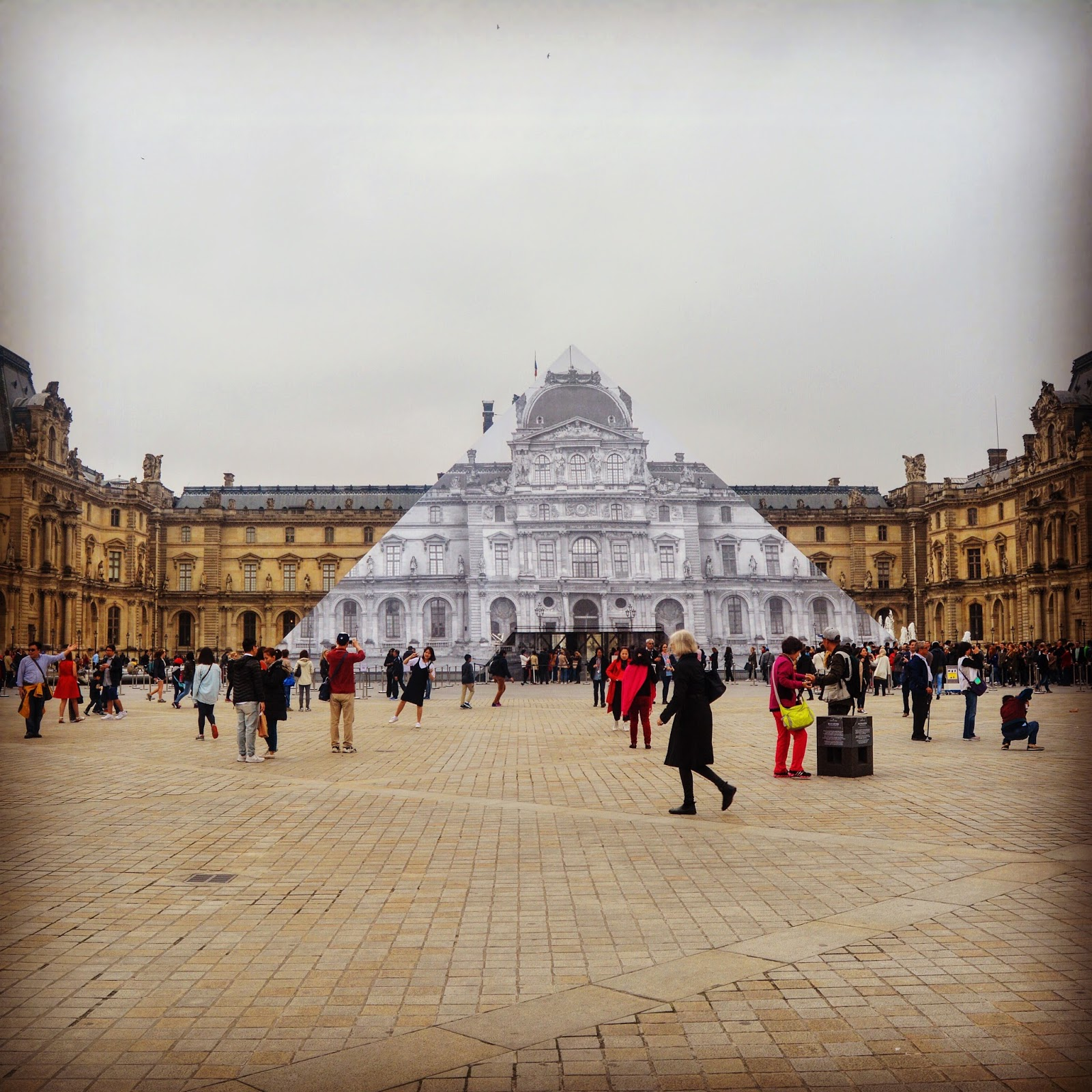 Paris In The Rain: A Photo Story: Travel, Books and Food