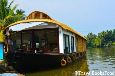 Spice Routes Luxury Houseboat in Kerala, India | Luxury Cruises in Kerala | Luxury Houseboats in Kerala | Alleppey Houseboats