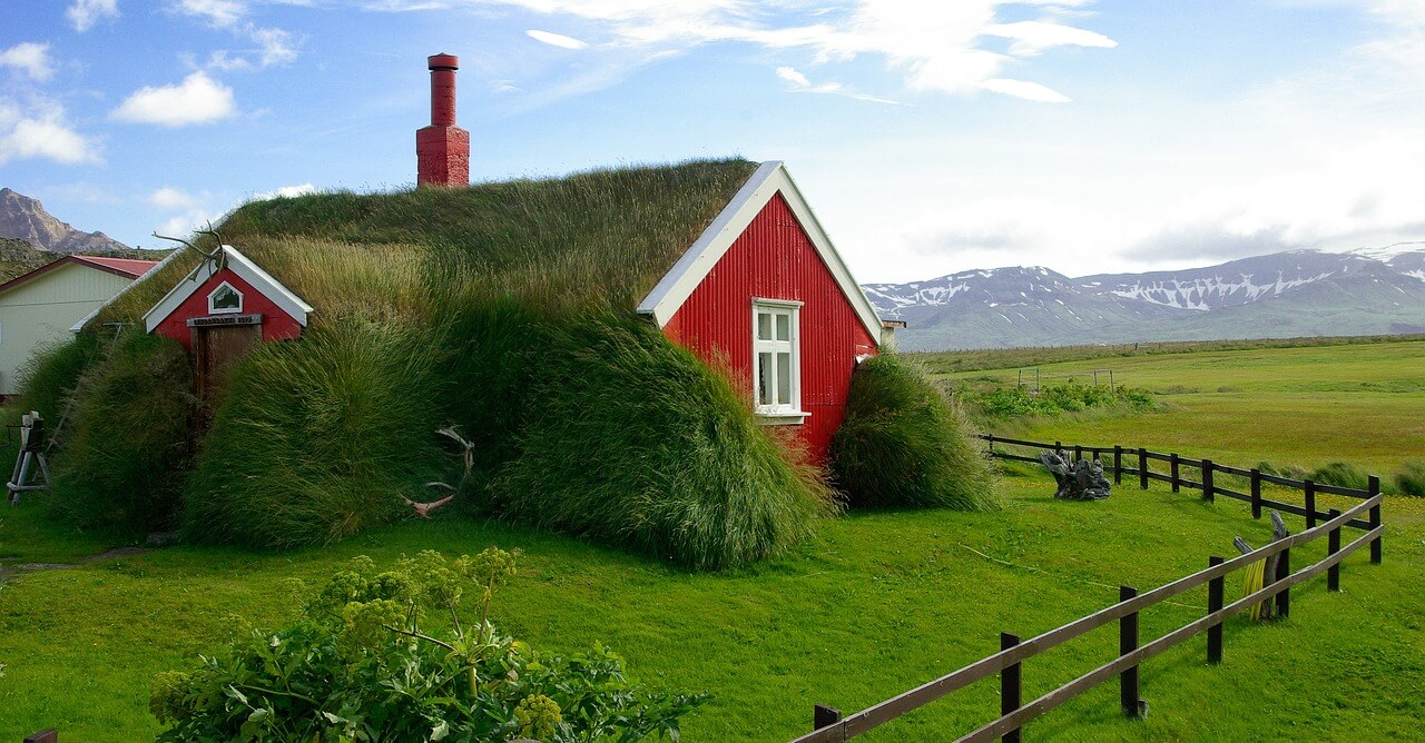 Iceland Roadtrip Itinerary: Turf houses