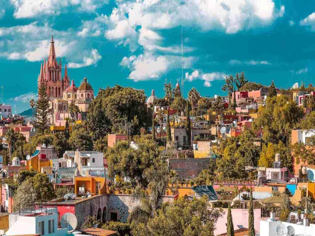 A church cathedral overlooking the beautiful city of San Miguel De Allende