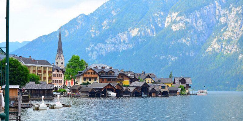 Austria Travel Tips - A pretty village of Hallstatt