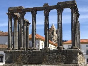 Best_Europe_Day_Trips_Eurotrip_Itinerary_evora-roman-temple