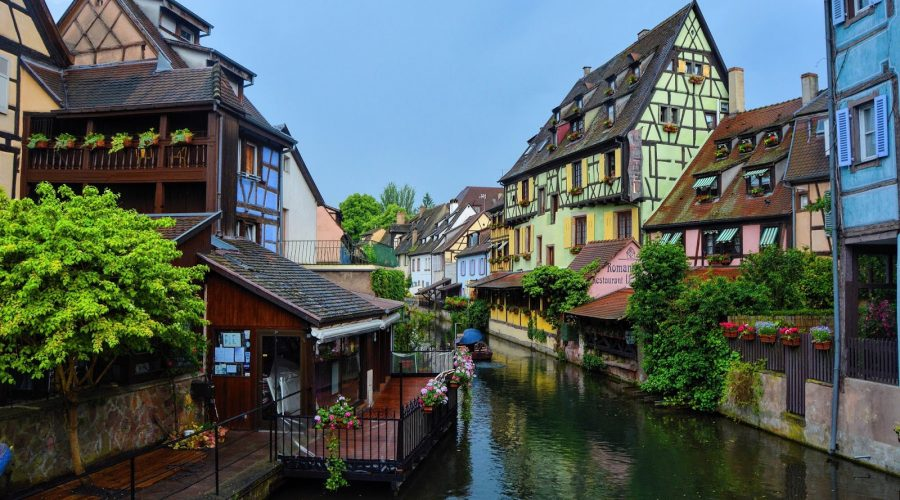 Indian_solo_female_traveller_Colmar