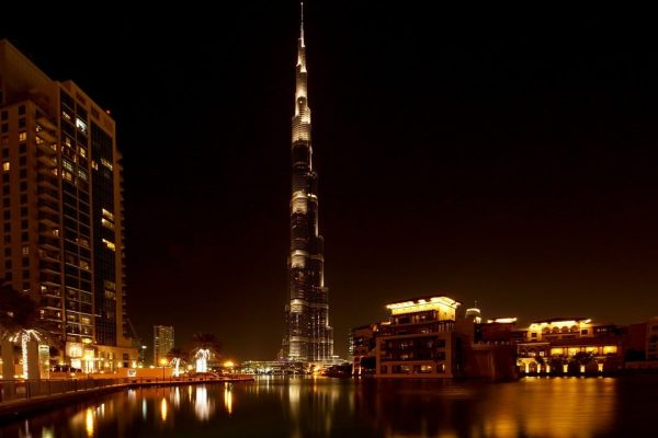 Places_to_visit_in_Dubai_itinerary_Khalifa