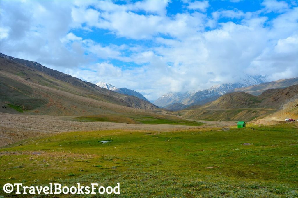 Spiti_Valley_Trip_Chandrtaal_Itinerary_parking_lot