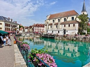 annecy-3317984_640