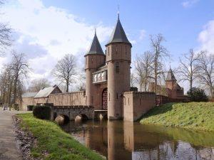 castle-4962057_640