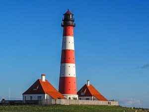 lighthouse-1392124_640