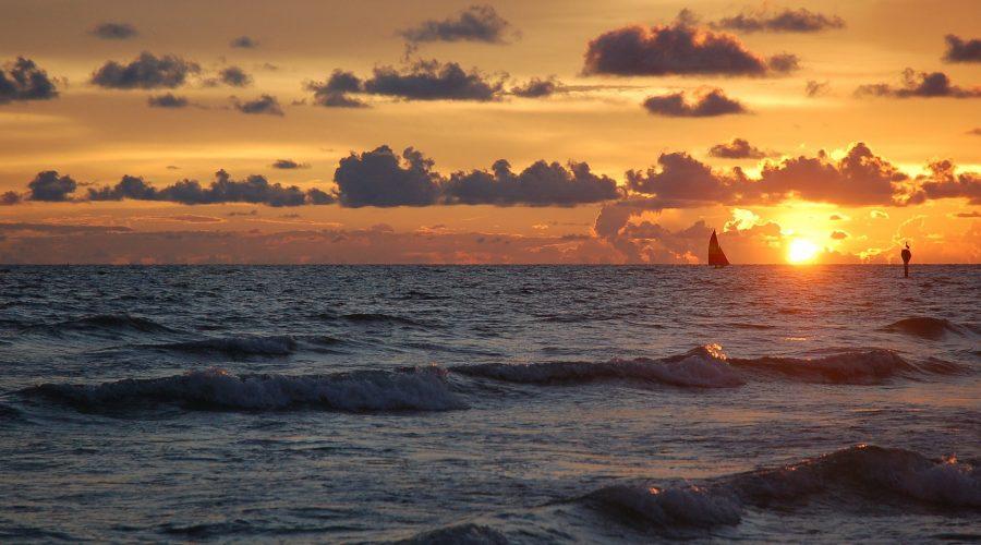 sunset-1032613_1920